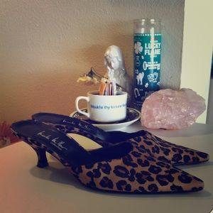 💕90's Vintage Silk leopard kitten heels💕